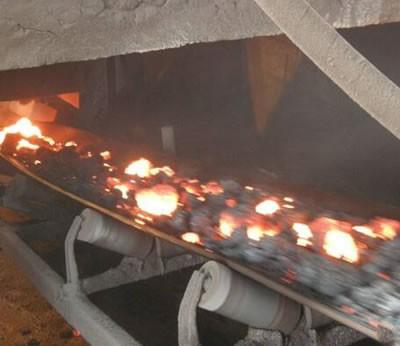 耐热输送带的覆盖(Cover)胶遇高温产生微孔炭化层